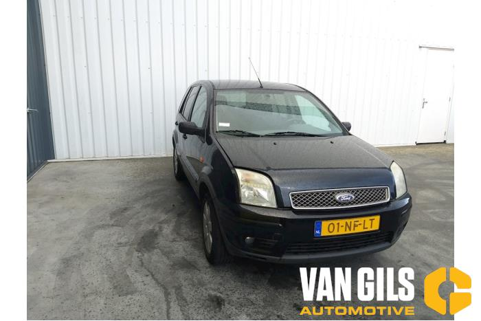 Ford Fusion 2003  FXJA 16