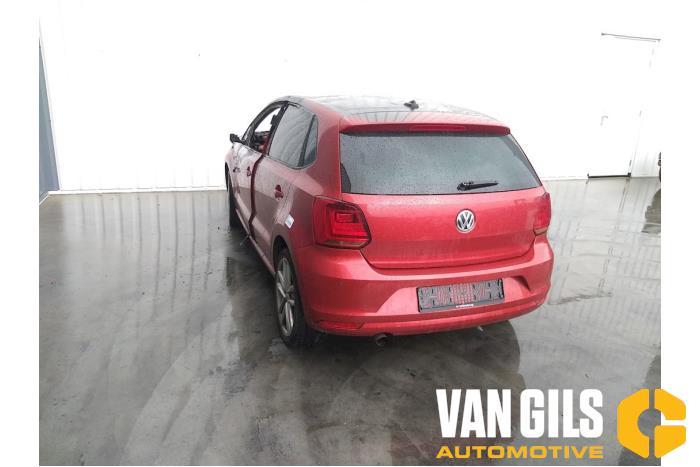 Volkswagen Polo 09- 2016  CHZ 8