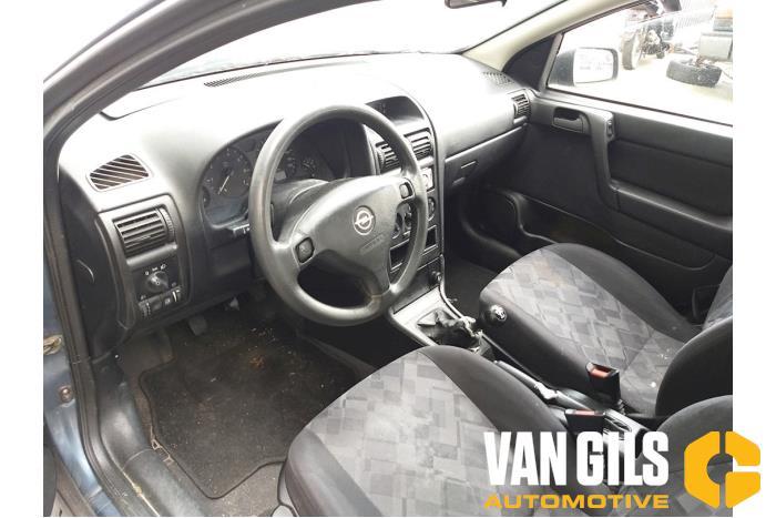 Opel Astra 1998  X16XEL 6