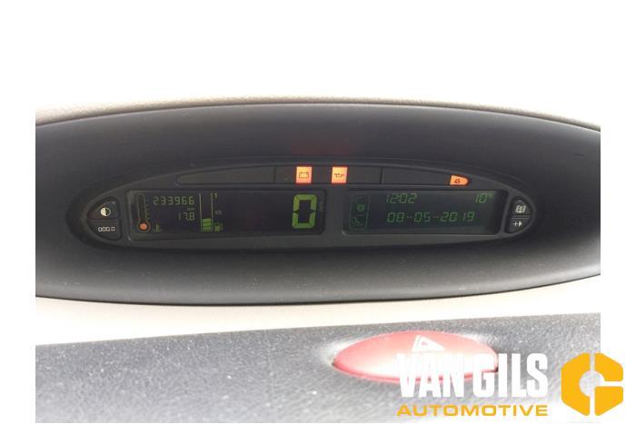 Citroen Xsara Picass 2000  NFZ 8