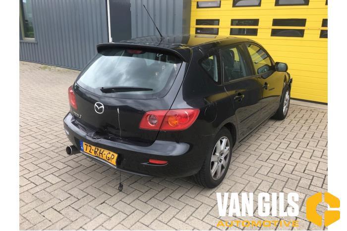Mazda 3. 2005  Z6 20
