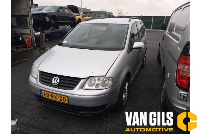 Volkswagen Touran 2004  AVQ 10