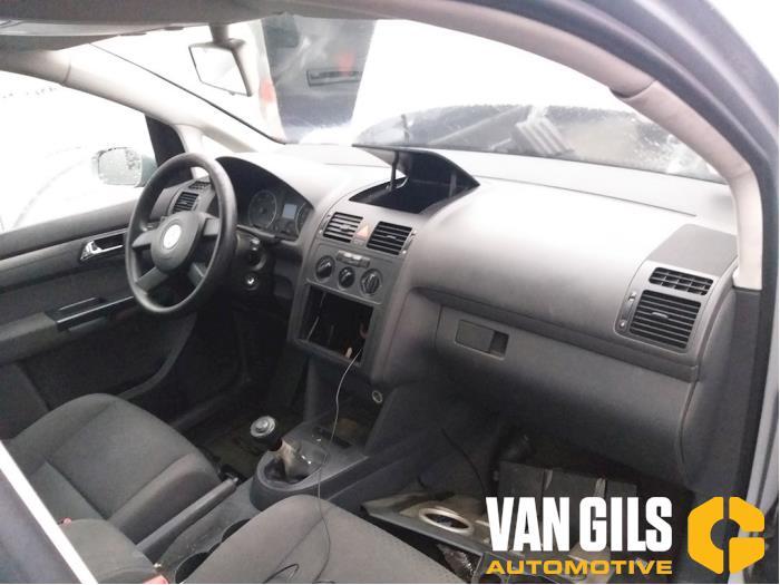Volkswagen Touran 2004  AVQ 15