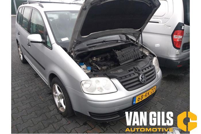 Volkswagen Touran 2004  AVQ 9