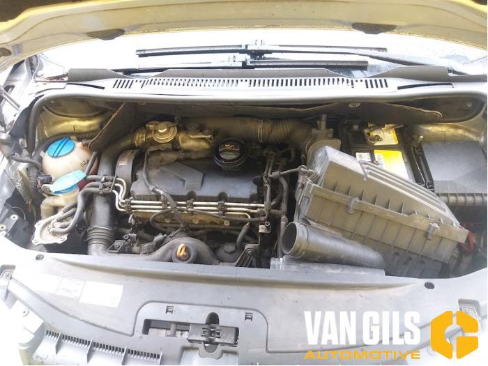 Volkswagen Touran 2004  AVQ 19
