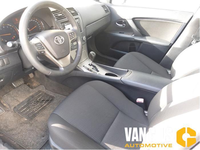 Toyota Avensis 2010  3ZRFAE 14