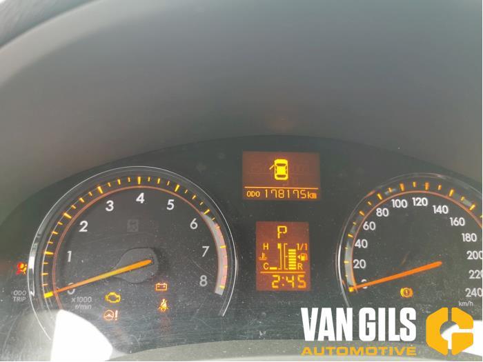 Toyota Avensis 2010  3ZRFAE 11