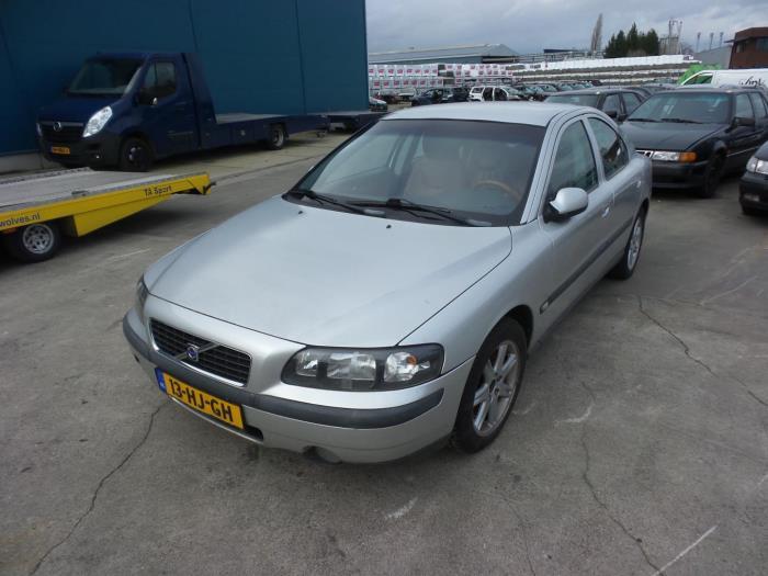 Volvo S60 van 2001 met 343981 kilometer