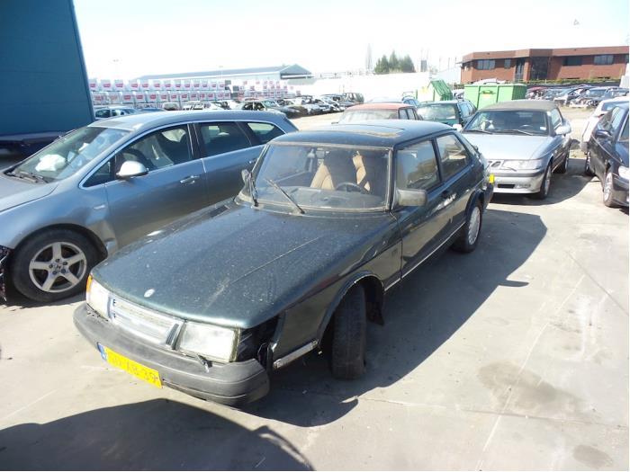 Saab 900 van 1993 met 468392 kilometer