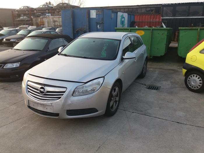 Opel Insignia 08- van 2010 met 195675 kilometer