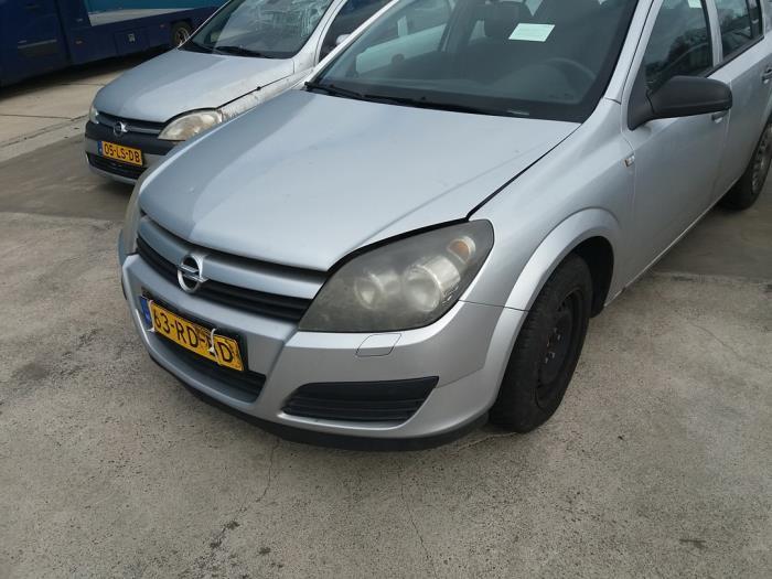 Opel Astra H 04- van 2005 met 253449 kilometer