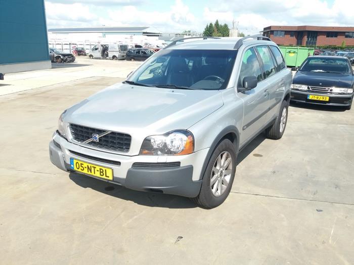 Volvo XC90 van 2004 met 331972 kilometer