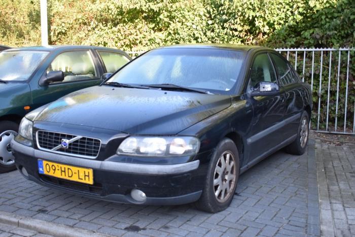 Volvo S60 van 2001 met 303166 kilometer