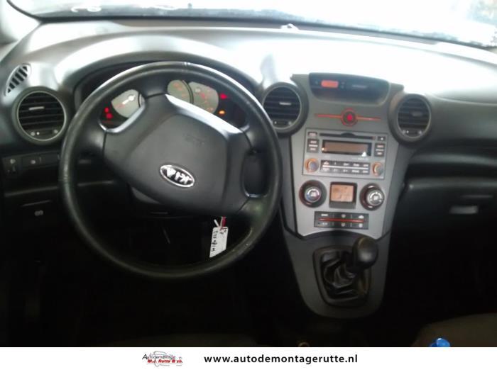 Demontageauto Kia Carens 2006 2013 180923 5
