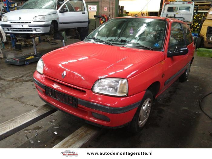 Demontageauto Renault Clio 1990 1998 210533 1