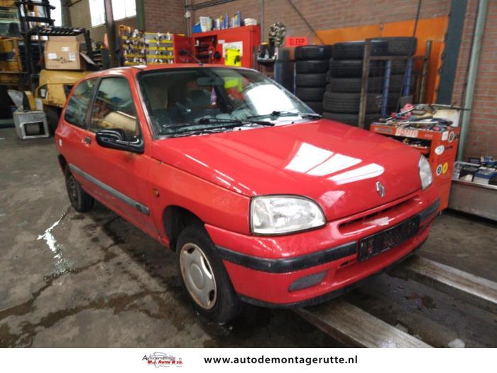 Demontageauto Renault Clio 1990 1998 210533 2