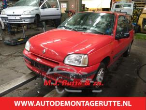 Demontage auto Renault Clio 1990-1998 210533