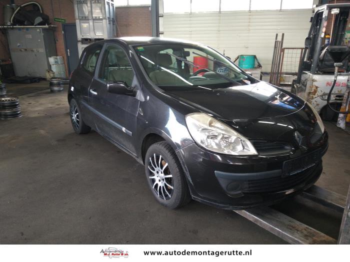 Demontageauto Renault Clio 2005 2014 211282 2