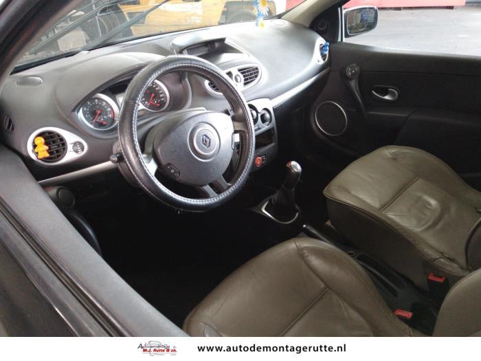 Demontageauto Renault Clio 2005 2014 211282 5