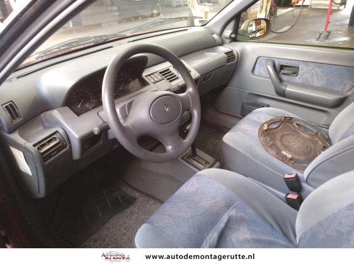 Demontageauto Renault Clio 1990 1998 211315 5