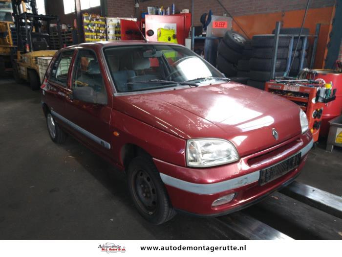 Demontageauto Renault Clio 1990 1998 211315 2