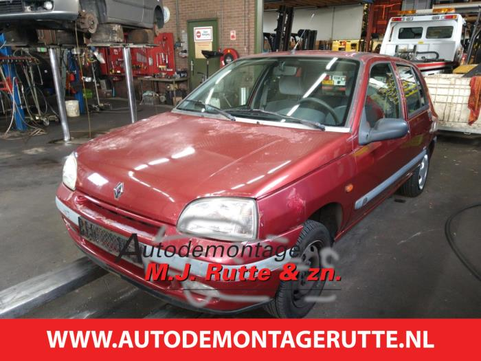 Demontageauto Renault Clio 1990 1998 211315 1