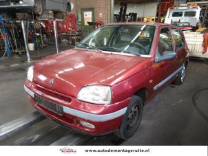 Demontage auto Renault Clio 1990-1998 211315