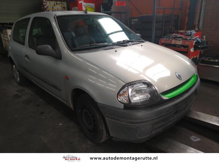 Demontageauto Renault Clio 1998 2016 211673 2