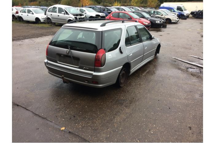 Peugeot 306 2 0 hdi 2000 kleur eycc met kleurcode eycc for Interieur 306 annee 2000