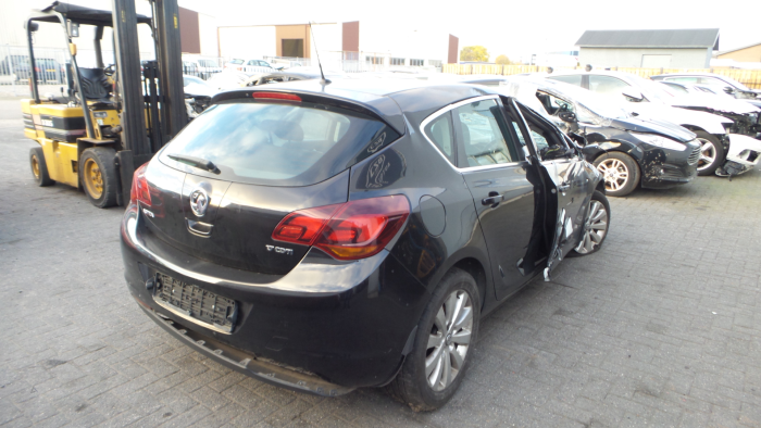 Opel<br/>Astra