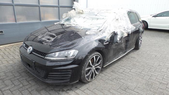 Volkswagen<br/>Golf