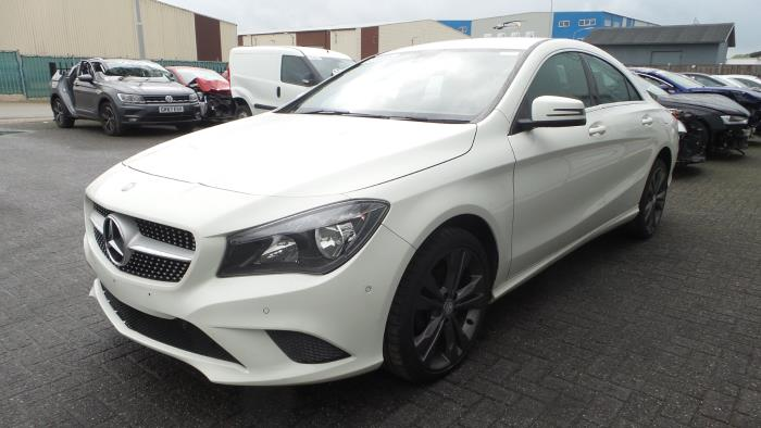 Mercedes<br/>CLA