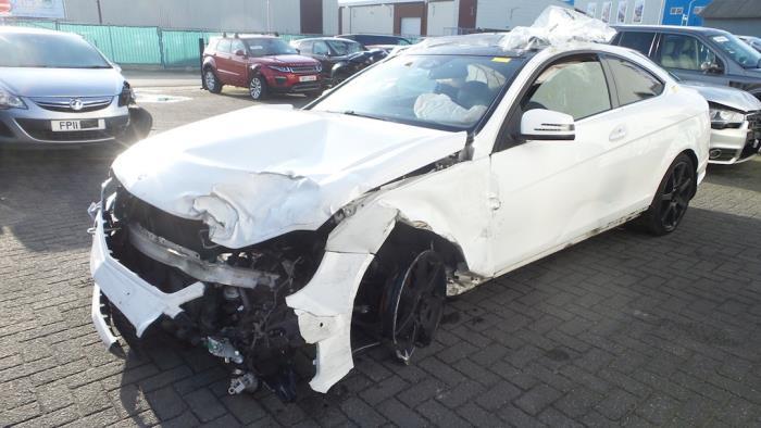 Mercedes<br/>C-Klasse 1.6 C-180 16V BlueEfficiency 2013-01 / 0-00