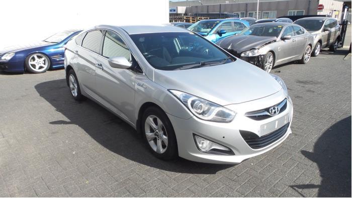 Hyundai i40 (VFA), Sedan, 2012<br><small>1.7 CRDi 16V, Sedan, 4Dr, Diesel, 1.685cc, 100kW, FWD, D4FD, 2012-03, VFA5D11; VFA5D31</small>