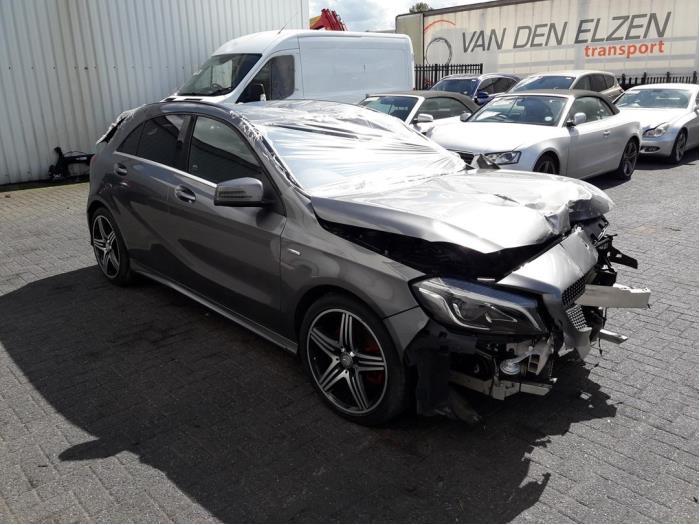 Mercedes A (W176), Hatchback, 2012 / 2018<br><small>2.0 A-250 Turbo 16V, Hatchback, Benzine, 1.991cc, 160kW (218pk), FWD, M270920, 2015-07 / 2018-05, 176.050</small>