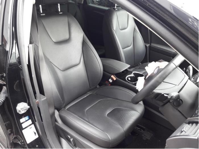 Ford Mondeo V, Hatchback, 2014<br><small>1.5 EcoBoost 16V, Hatchback, Benzine, 1.498cc, 118kW (160pk), FWD, UNCE; UNCF; UNCB; UNCA, 2014-09</small>