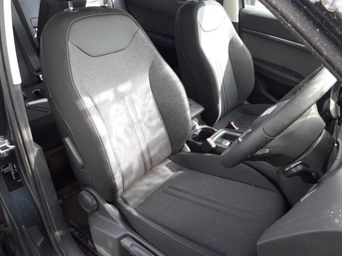 Seat Ateca (5FPX), SUV, 2016<br><small>1.0 TSI 12V, SUV, Benzine, 999cc, 85kW (116pk), FWD, CHZJ; DKRF, 2016-05</small>