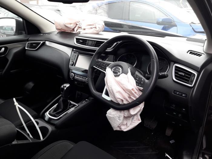 Nissan Qashqai (J11), SUV, 2013<br><small>1.2 DIG-T 16V, SUV, Benzine, 1.199cc, 85kW (116pk), FWD, HR12DDT; HRA2DDT, 2013-11, J11D</small>