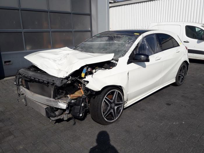 Mercedes<br/>A-Klasse 1.8 A-180 CDI 16V Autom. 2012-06 / 2014-10