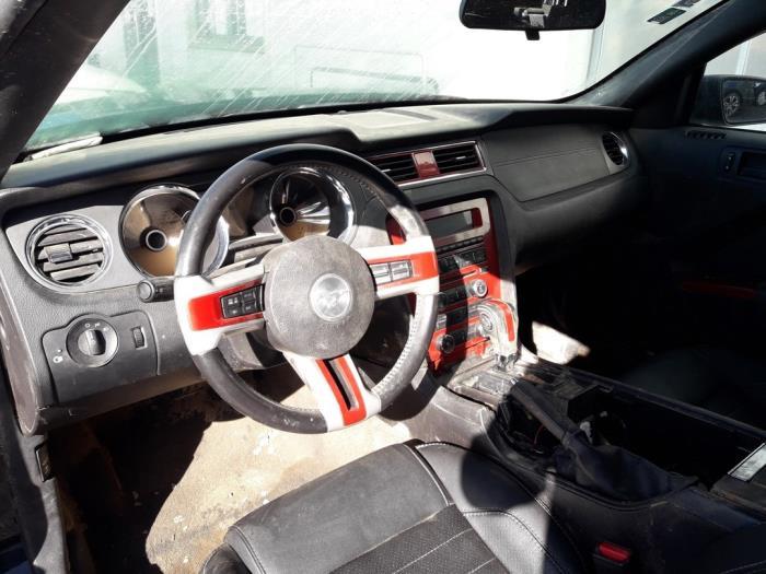 Ford Usa Mustang VI Convertible, Cabrio, 2005 / 2015<br><small>3.7 V6, Cabrio, Benzine, 3.726cc, 227kW (309pk), RWD, 2010-09 / 2014-08</small>
