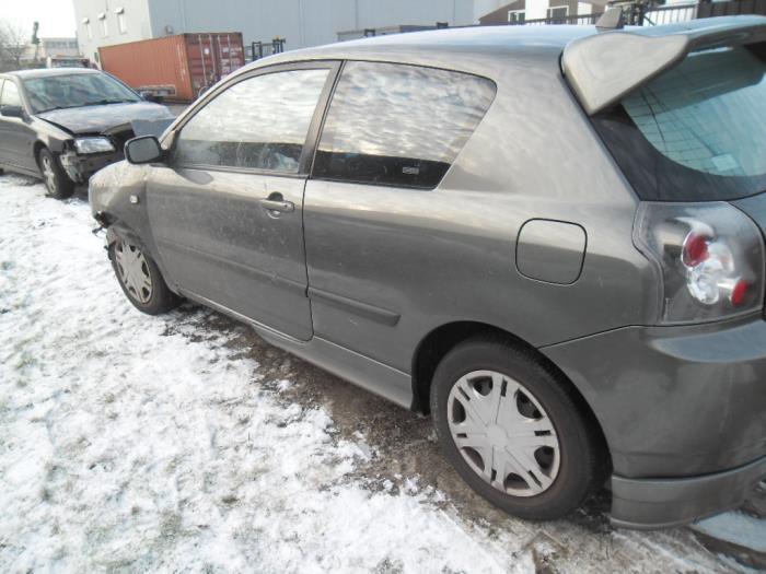 Toyota Corolla 1.4 16V VVT-i Sloopvoertuig (2002, Grijs)