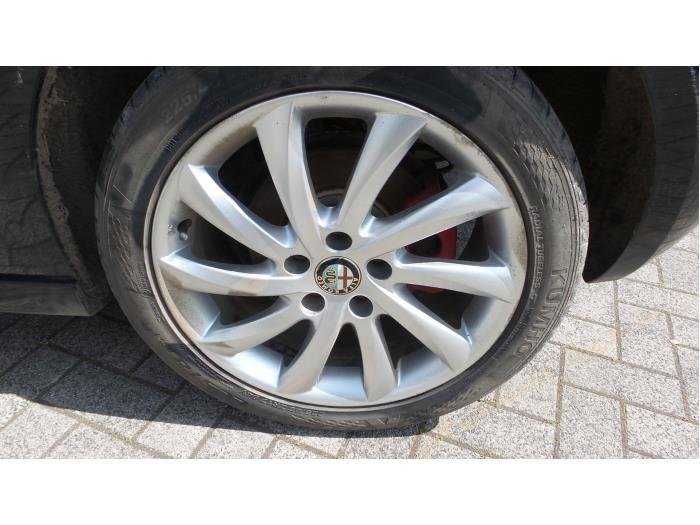 Alfa Romeo Giulietta (940), Hatchback, 2010<br><small>2.0 JTDm 16V 170, Hatchback, Diesel, 1.956cc, 125kW, FWD, 940A4000; 940B4000, 2010-04, 940FXE</small>