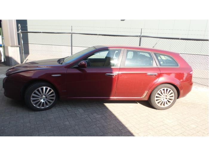 Alfa Romeo 159 Sportwagon (939BX), Combi, 2005 / 2012<br><small>1.9 JTS 16V, Combi/o, Benzine, 1.859cc, 118kW (160pk), FWD, 939A6000; EURO4, 2006-03 / 2011-11, 939BXA</small>