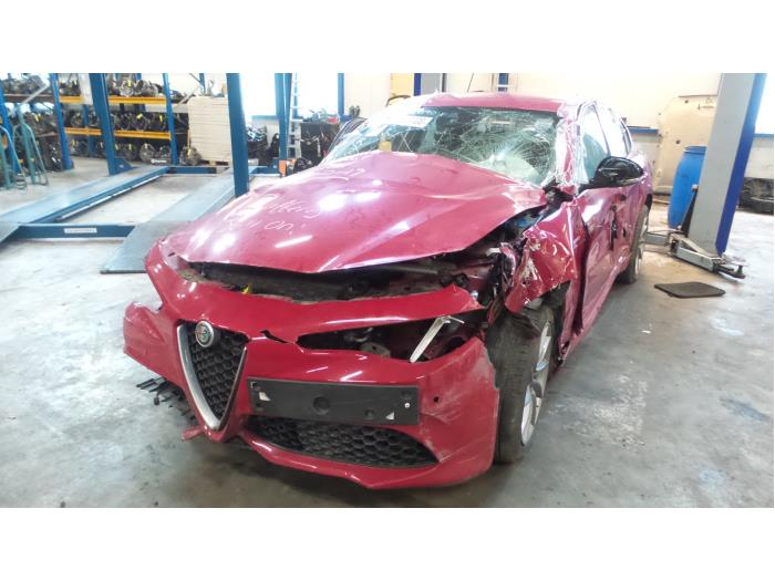 Alfa Romeo Giulia (952), Sedan, 2015 2.0 T 16V Veloce Q4, Sedan, 4Dr, Benzine, 1.995cc, 206kW (280pk), 4x4, 55273835, 2016-08, 952ACA4 (50546496)