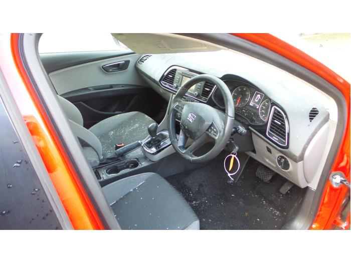 Seat Leon (5FB), Hatchback 5-drs, 2012<br><small>1.6 TDI Ecomotive 16V, Hatchback, 4Dr, Diesel, 1.598cc, 77kW (105pk), FWD, CLHA, 2012-11</small>