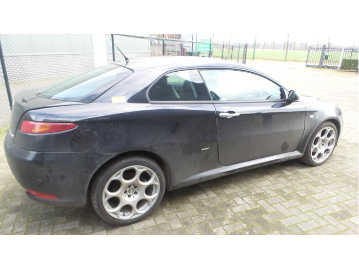 Alfa Romeo GT (937), Coupé, 2003 / 2010<br><small>1.9 JTD 16V Multijet, Coupe, 2Dr, Diesel, 1.910cc, 110kW (150pk), FWD, 937A5000, 2003-11 / 2010-09, 937CXN1B</small>