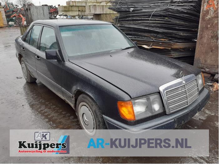 Mercedes 200 - 500 2.3 230 E 1985-01 / 1993-06