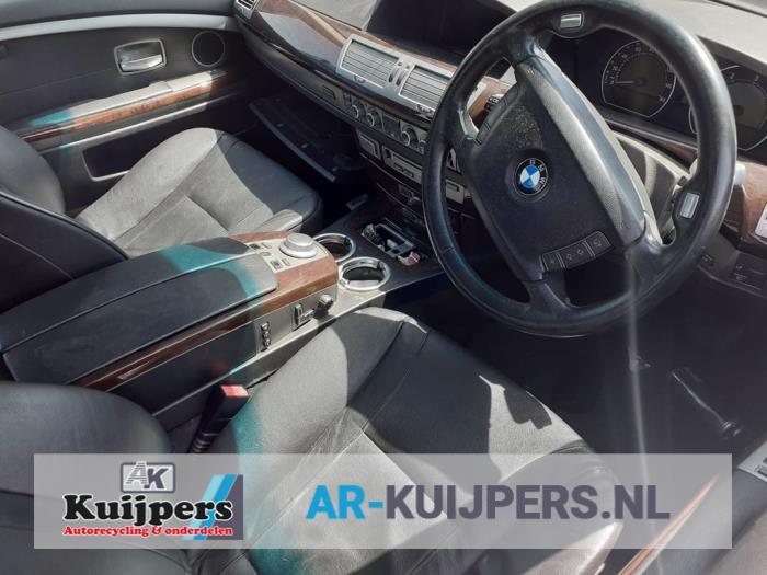 BMW 7-Serie 02-